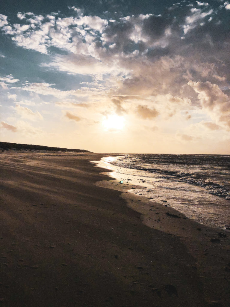 strand van Vlieland - reisblog travel note